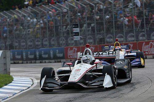 Josef Newgarden si prende la pole per Gara 2 a Detroit davanti ad Alexander Rossi