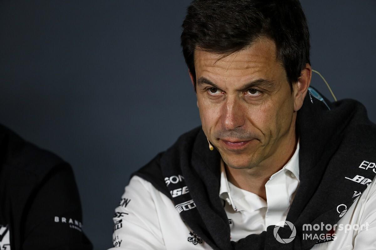 Wolff: Hakemler Vettel'e daha büyük bir ceza da verebilir