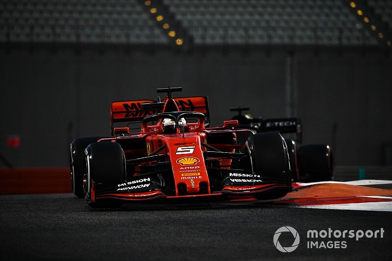 Video: Vettel, temas sonucu spin atıyor
