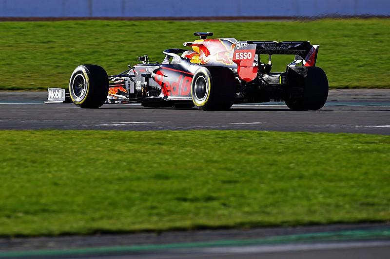 Képgaléria a Red Bull-Honda RB16 pályára gurulásáról