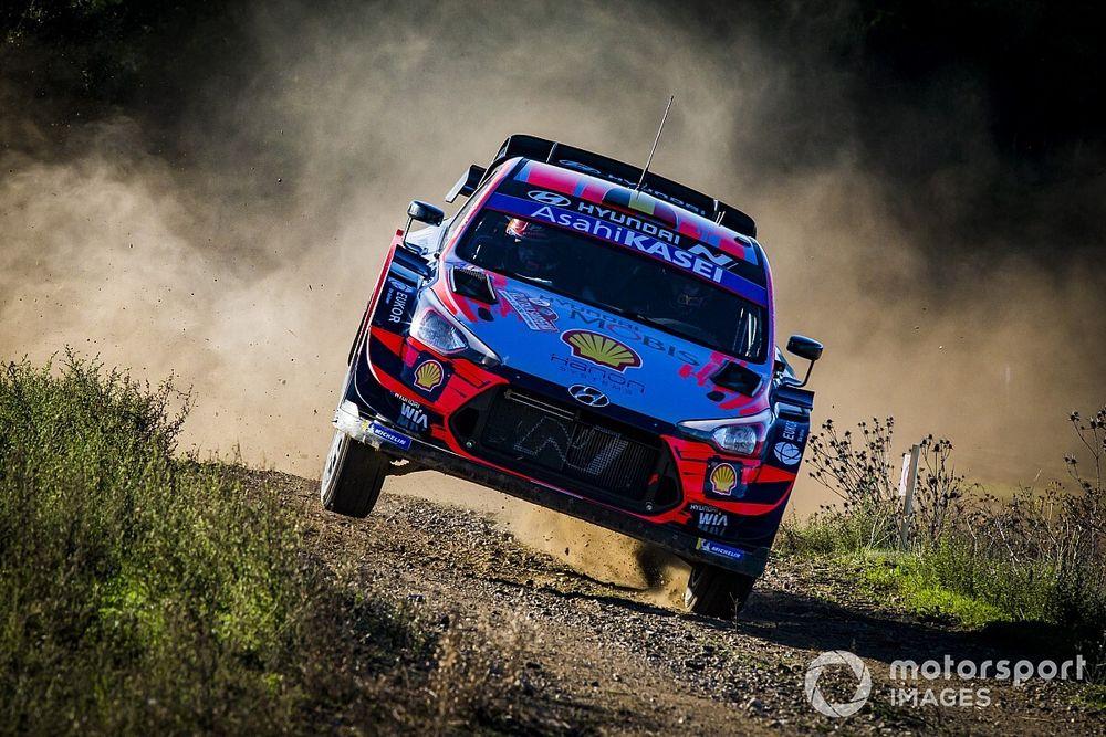 WRC, Rally Italia, PS14: Neuville a 1 decimo dal secondo posto