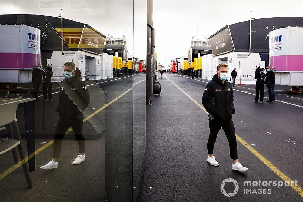 Магнуссен вслед за Грожаном объявил об уходе из Haas