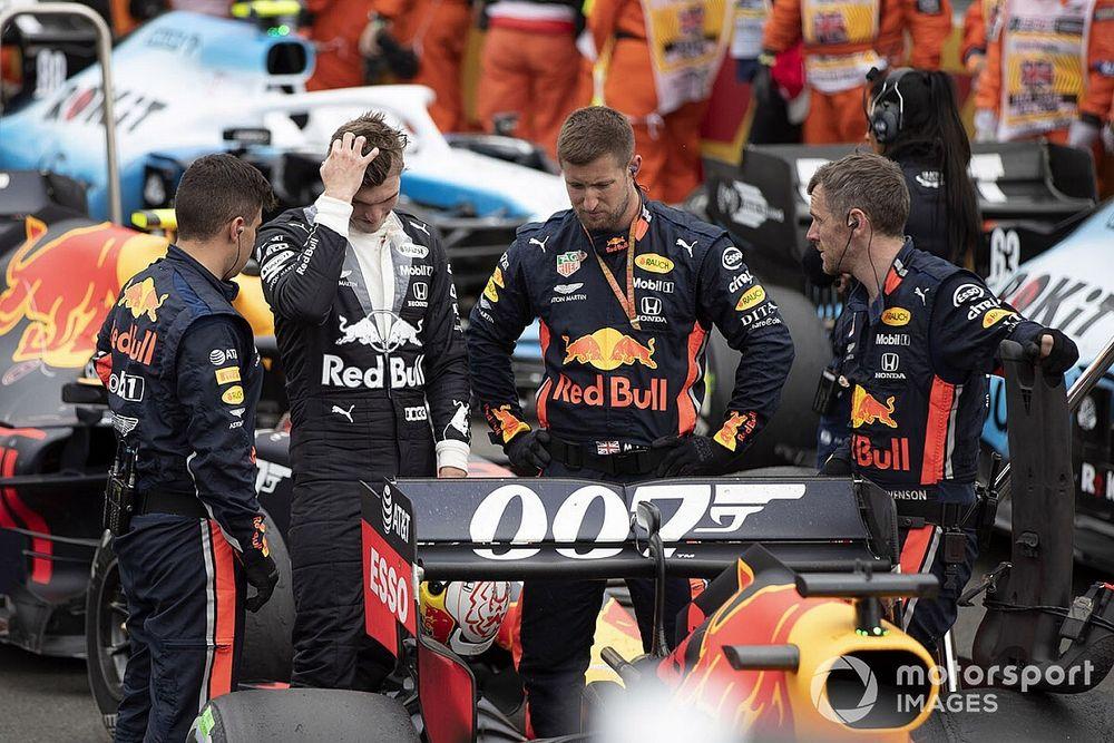 Fisuras en los alerones traseros, el drama de Red Bull
