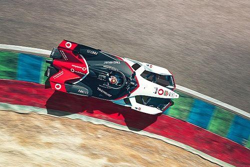 GALERIA: Porsche revela carro para temporada de estreia na Fórmula E
