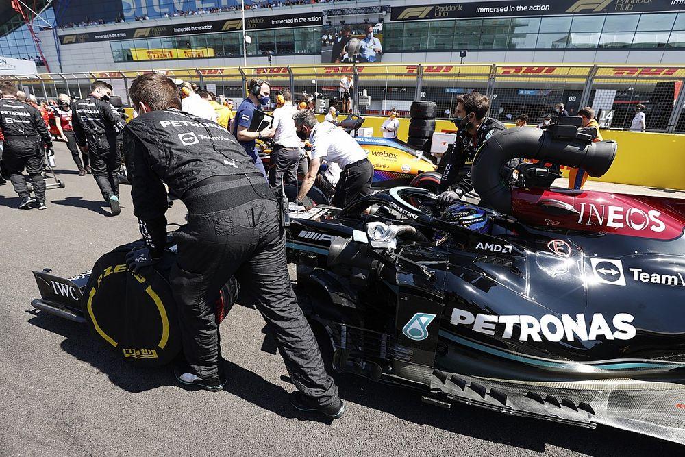 Mercedes: La bandera roja evitó el retiro de Hamilton