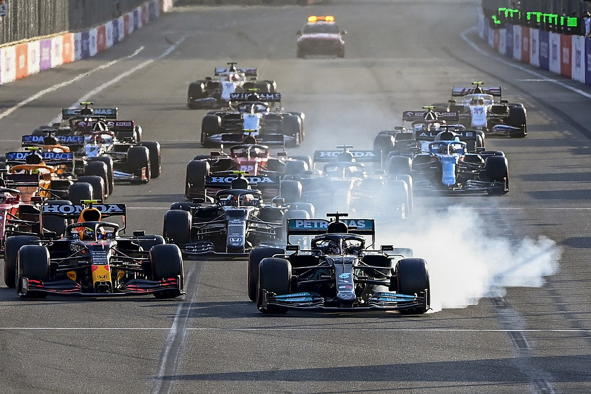 F1 drivers backed decision for two-lap standing restart in Baku thumbnail