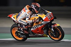 Маркес стал быстрейшим во второй тренировке в Катаре с рекордом трассы