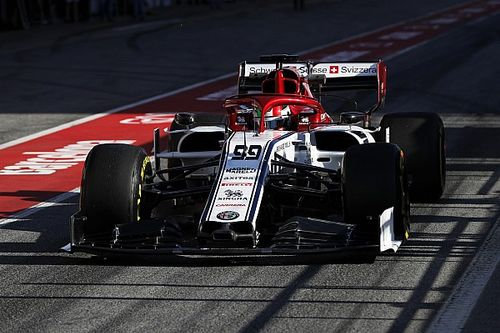 Giovinazzi quickest for Alfa as second F1 test begins
