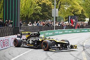 F1-es utcai parádé Sanghajban az 1000. nagydíj tiszteletére: galéria