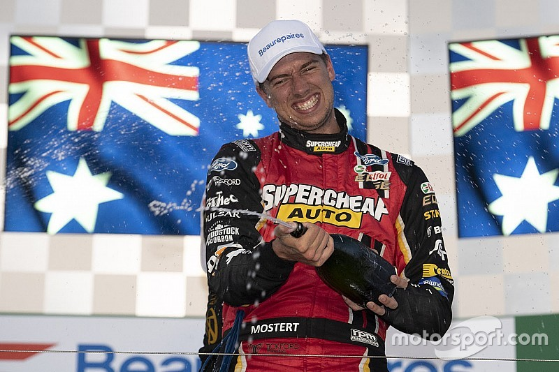 Albert Park Supercars: Mostert wins, McLaughlin crashes pre-race