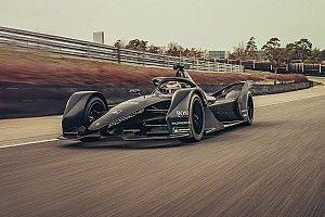 Porsche anda com seu carro de Fórmula E pela primeira vez
