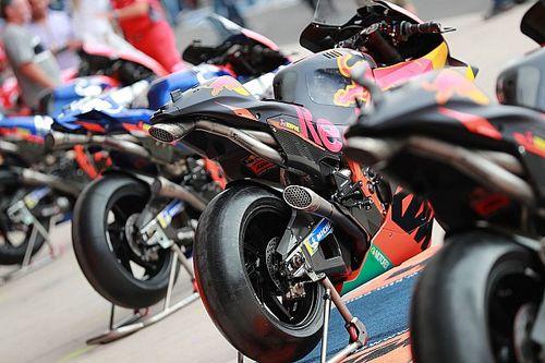 KTM resta fino al 2026, ma taglia la Moto2. In Moto3 torna Husqvarna