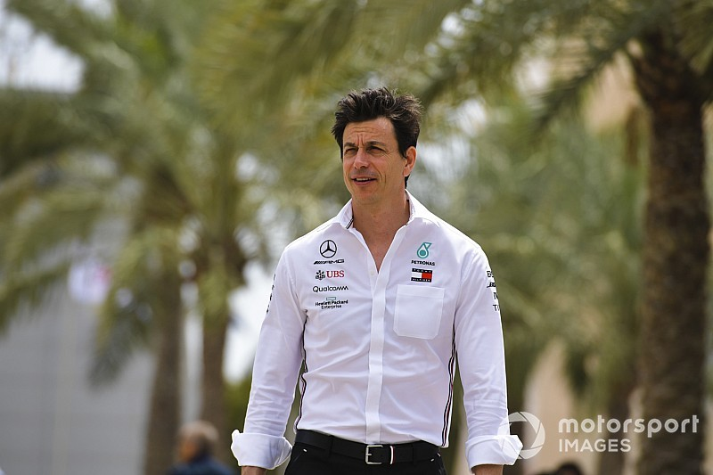 """Wolff: """"Saf güce"""" sahip olan Ferrari, Çin GP'nin favorisi"""