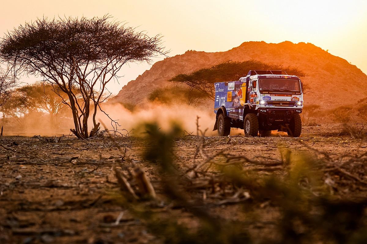 Dakar, Camion, Tappa 1: Sotnikov in rimonta col Kamaz