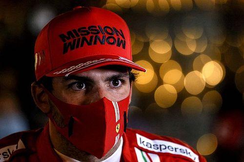 Vajon Sainz melyik egykori Ferrari-pilótával állna rajthoz? A spanyol több nevet is megemlített...