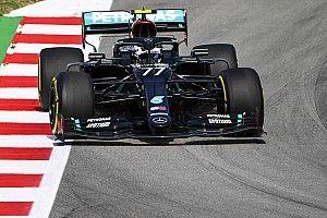 Квят пропустил половину первой тренировки в Барселоне, лучшие времена – у Mercedes