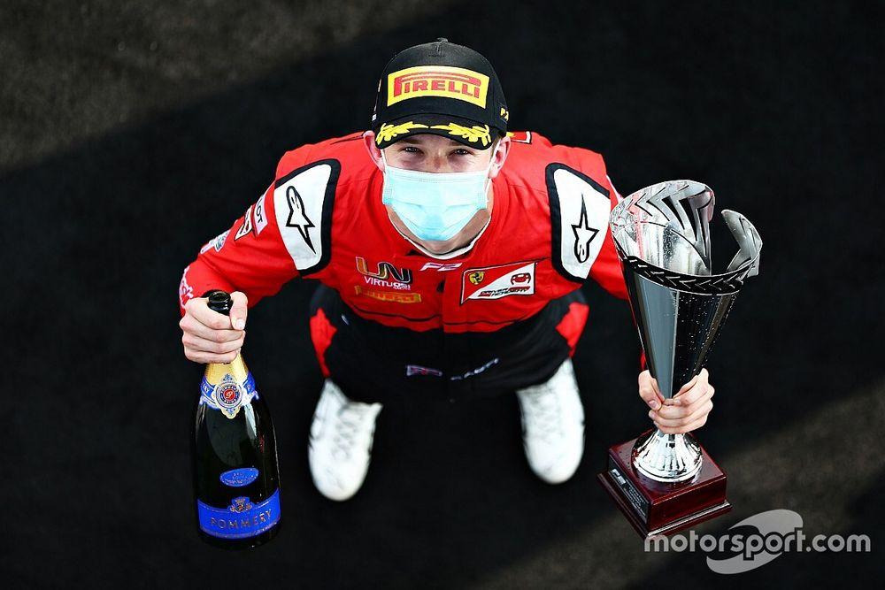 Russell tipt Ilott voor binnenhalen Formule 2-titel in 2020