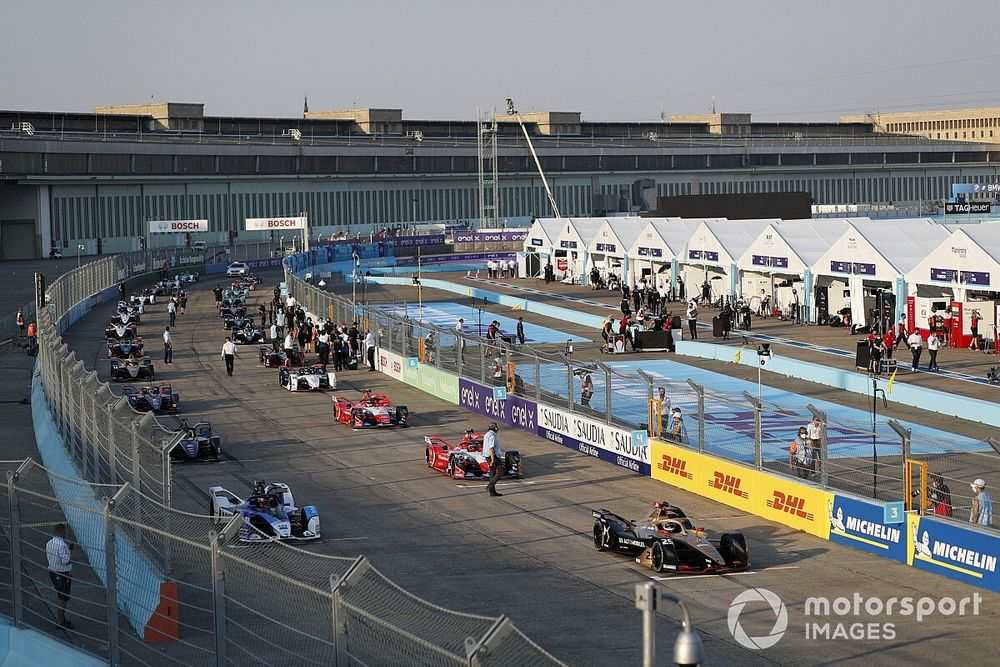 Why motorsport should consider a mid-week future