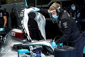 Bottas, Mercedes'le Silverstone'da piste çıktı