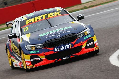 Croft BTCC: Jordan takes pole in red flag-strewn qualifying