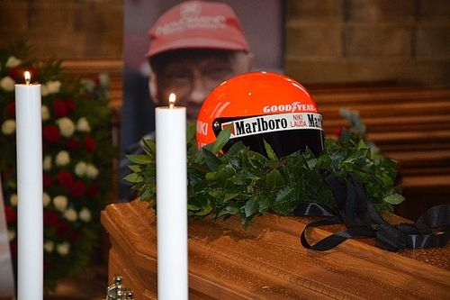 Fotos: multitudinario último adiós de los aficionados a Niki Lauda