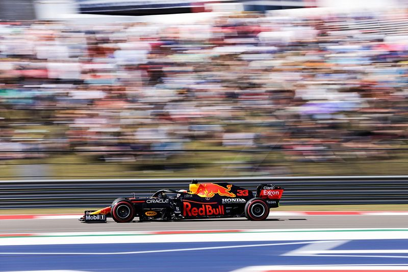 F1アメリカ予選:フェルスタッペン、下馬評を覆すポールポジション獲得! 角田も自身4度目のQ3進出で10番手