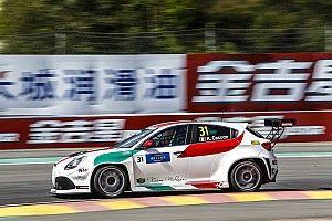 Kevin Ceccon y el Alfa Romeo se estrenan en la pole para la Carrera 3