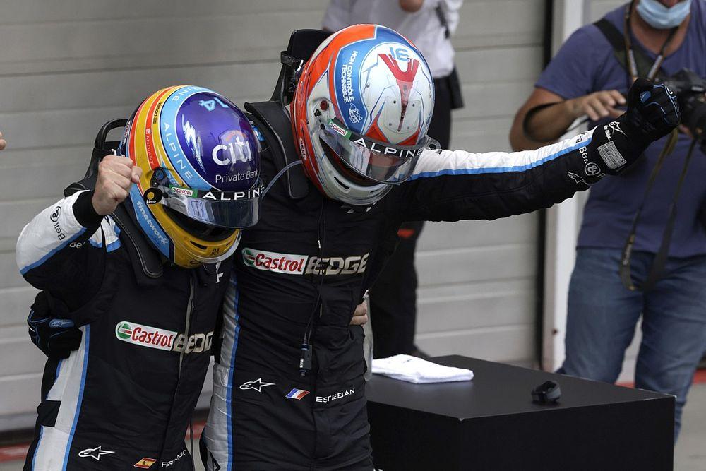 Ocon, bencilce davranmayan Alonso ile çalışmaktan büyük keyif alıyor