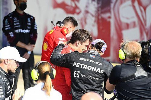 Leclerc demostró cómo competir en Copse, dice Hamilton