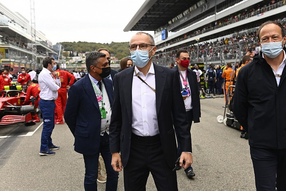 """Domenicali: """"Ferrari dönemimde Hamilton'ı değerlendirdik ama o doğru kararı verdi"""""""