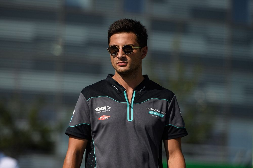 Evans, Jaguar'la anlaşma imzalamadan önce başka takımlar hakkında meraklıymış