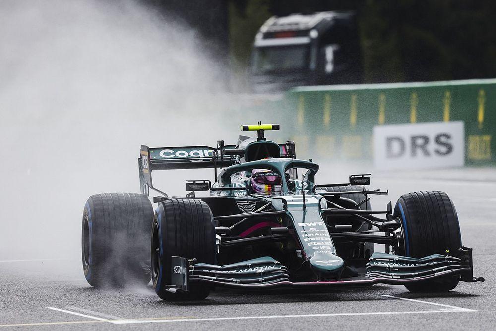 Vettel: ''Seans hiç başlatılmamalıydı''