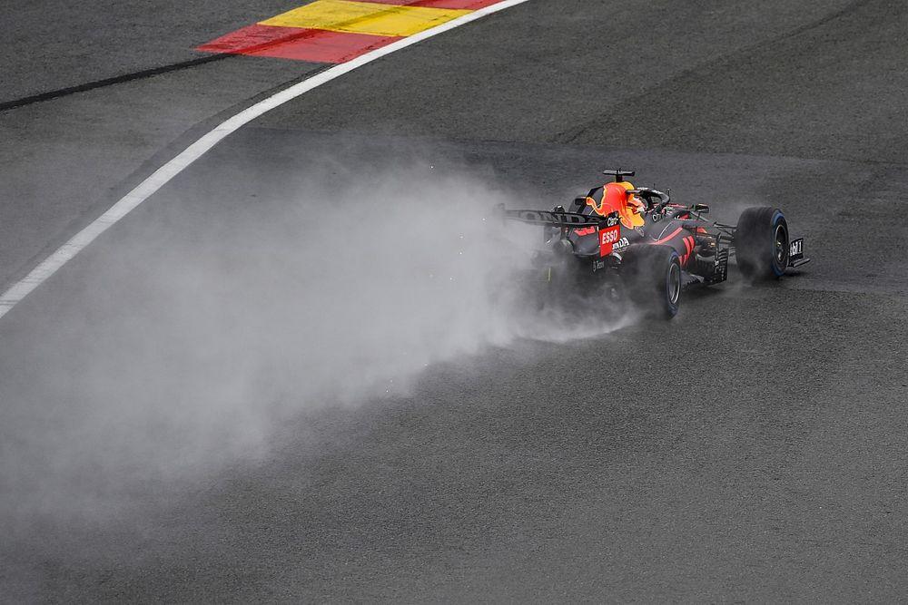Verstappen se lleva una pole de locura en Bélgica con Russell segundo