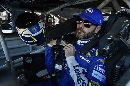 Jimmie Johnson's pursuit of eighth title ends with Phoenix crash
