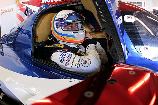 Jimmie Johnson: Alonso burada ne yapıyor?
