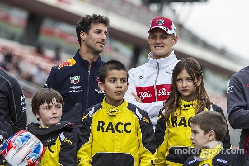 Ricciardo, Iniesta és Verstappen
