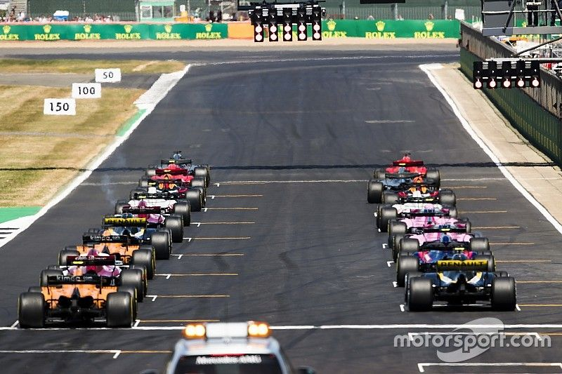 Concurrentie niet enthousiast over idee Mercedes voor derde wagen