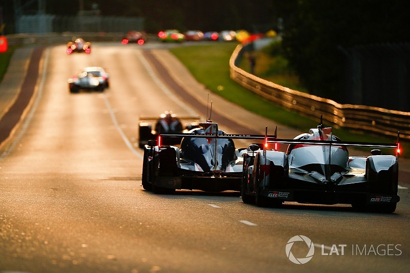 Le Mans uur 8: Toyota op kruissnelheid, Porsche domineert GTE