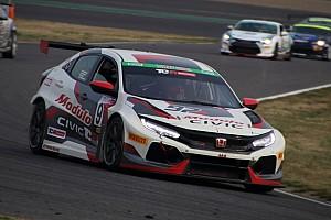 Prima vittoria per la nuova Honda Civic in Classe TCR a Suzuka