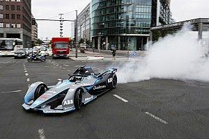 Galeri: Rosberg, Berlin'de Gen2 Formula E aracını sürdü