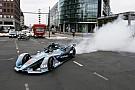 Formula E Galeri: Rosberg, Berlin'de Gen2 Formula E aracını sürdü