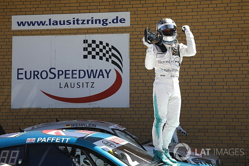Un Paffett perfecto gana la segunda carrera del DTM en Lausitzring