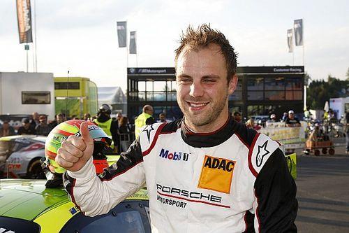 Vanthoor verrast door pole in 24 uur Nürburgring na bijna-crash
