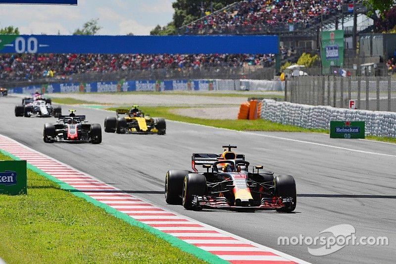 Ricciardo wijt spin bij herstart VSC aan koude banden