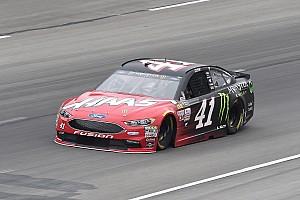 NASCAR Sprint Cup Crónica de Clasificación Kurt Busch se queda con la pole  en Texas