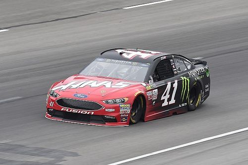 Kurt Busch snags Texas pole and sets new track record