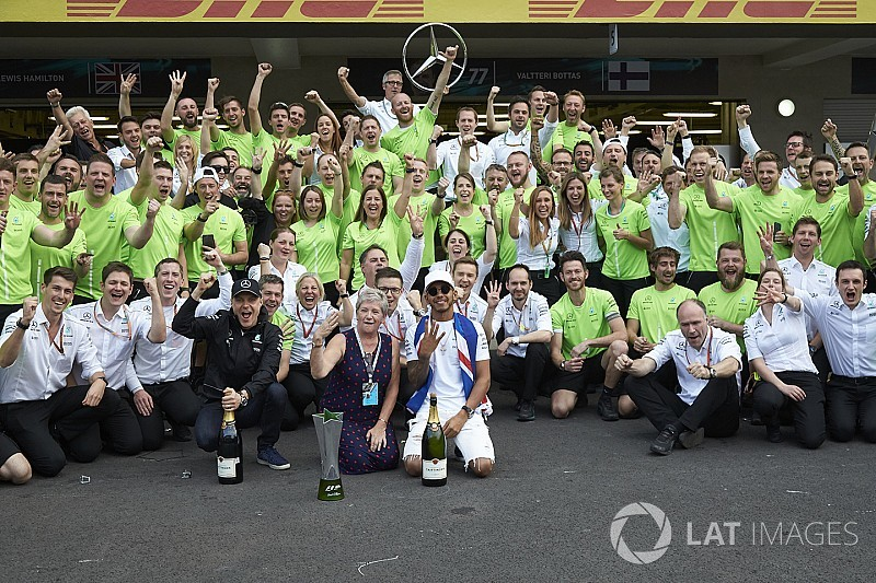 Аналіз: чому титули Mercedes у Ф1 2017 року мають вражати