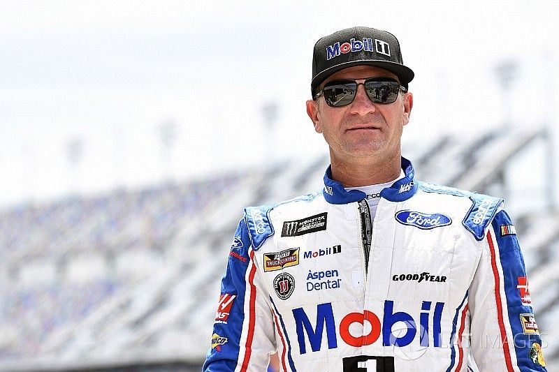 """Bowyer: """"The pressure cooker is certainly turning up"""" as playoffs near"""