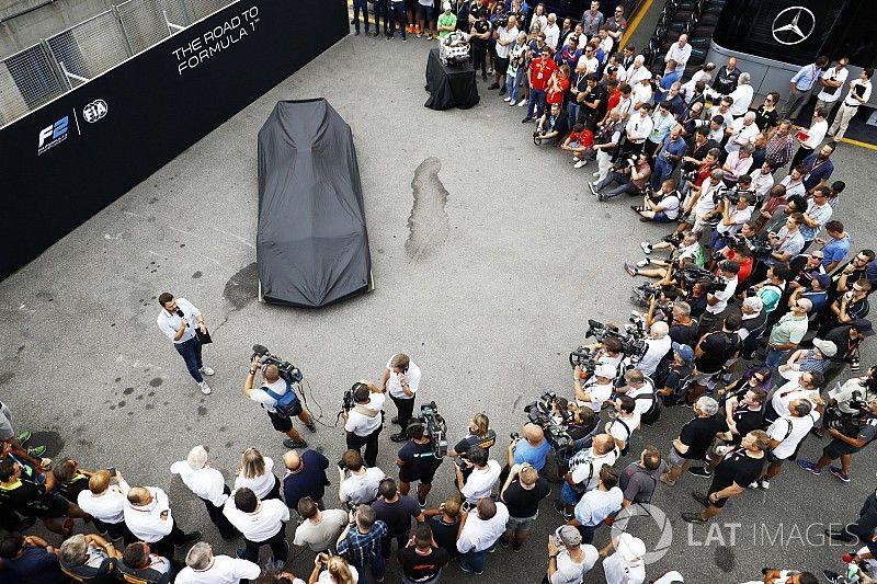 Новую машину Ф2 показали в Монце. У нее есть Halo