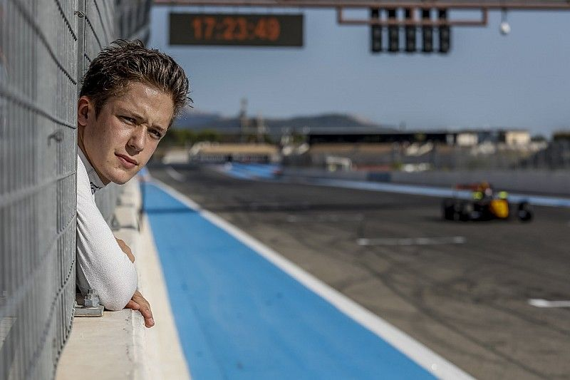 Formule Renault-leider Fenestraz maakt debuut in Formule 3